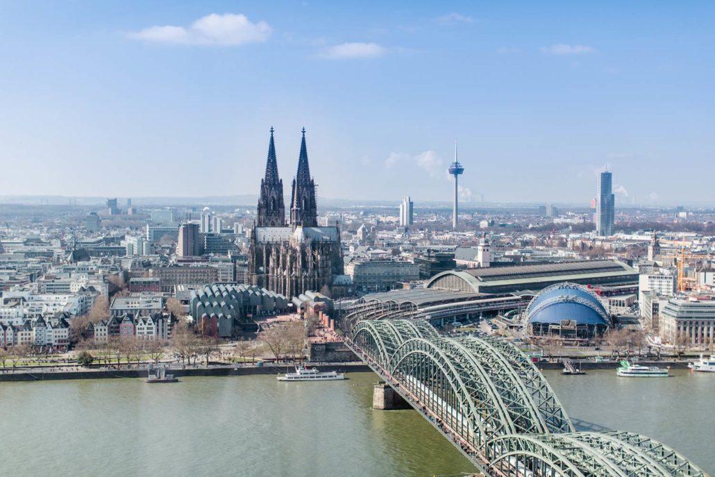 "KölnSKY beteiligt sich an der Aktion ""Night of Light"""